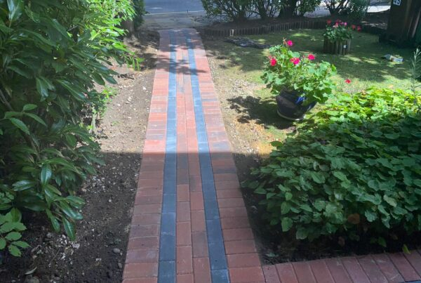 block paving pathway in brindle and charcoal